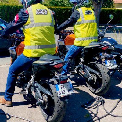 Les leçons de moto A2 se font par 2